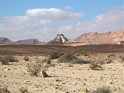Wilderness south of Machtesh Ramon3, tb q010403